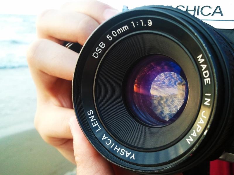 in مفهومی عکاس : Astronomy غروب، در دستانت ...