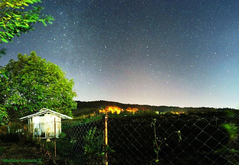 in نجومی ( ميدان ديد باز) عکاس : Mojtaba Gholami از سرزمین شمالی