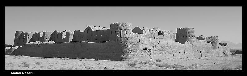 in معماری عکاس : مهدی ناصری قلعه سریزد، شکوه 1600 ساله