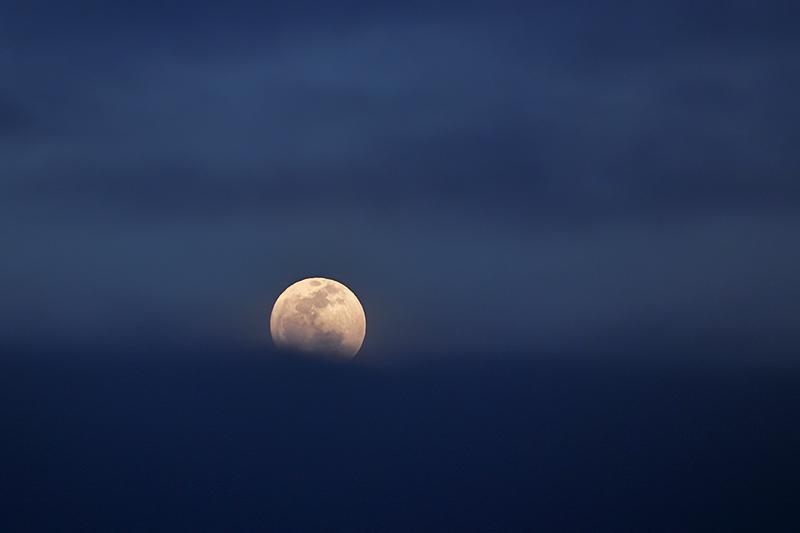 in نجومی ( ميدان ديد باز) عکاس : farshad Moonrise