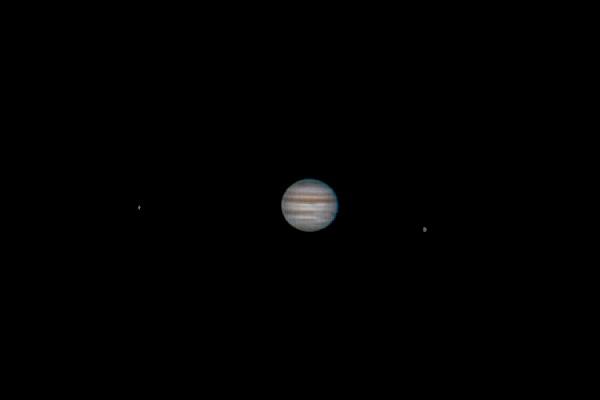 in نجومی (عمق آسمان) عکاس : mohsen4465 مشتری بهمراه دو قمر گالیله ای خودش