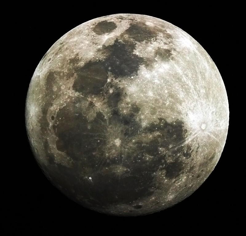 in نجومی (عمق آسمان) عکاس : A.rahimi ماه شب چهارده