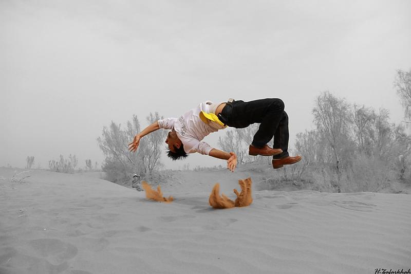 in انسان عکاس : Hojjat Zafarkhah حرکات آکروباتیک