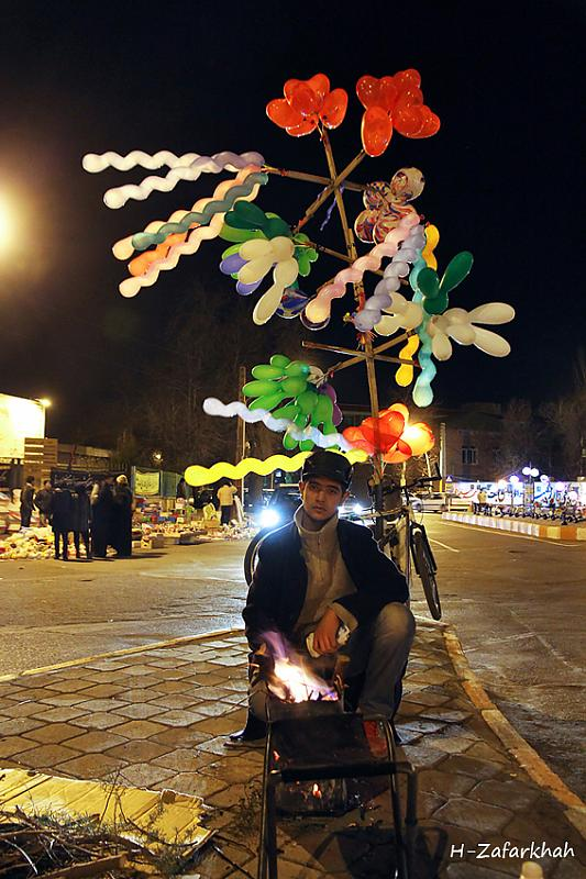 in مستند اجتماعی عکاس : Hojjat Zafarkhah بادکنک فروش کوچک