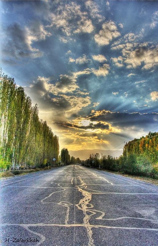 in مناظر عکاس : Hojjat Zafarkhah جاده در غروب