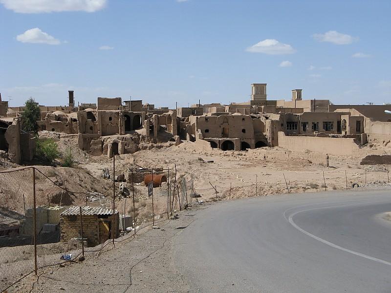 in مفهومی عکاس : سينا منجم آثار باستانی