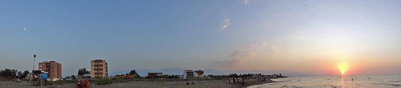 in نجومی ( ميدان ديد باز) عکاس : javadstar76 ماه و خورشید و ساحل